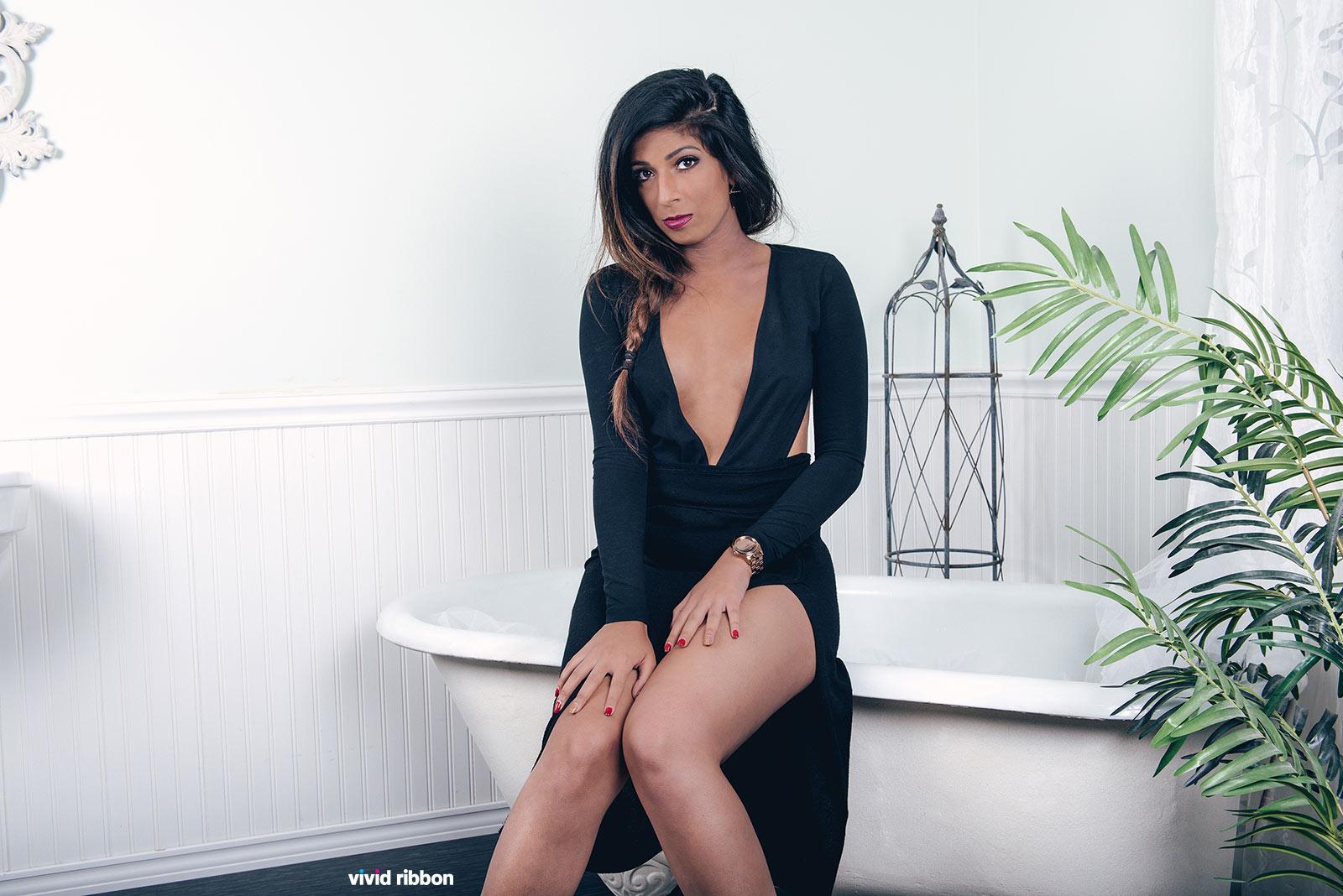 Sarah-Dharshi-4062